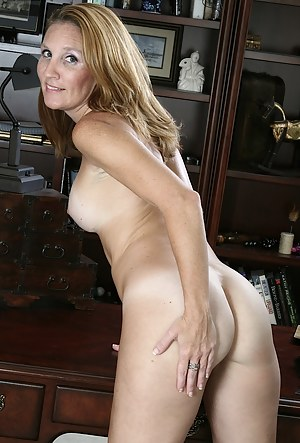 Free Moms Ass Porn Pictures