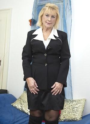 Free Moms Uniform Porn Pictures