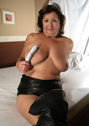 Leather Mom Porn