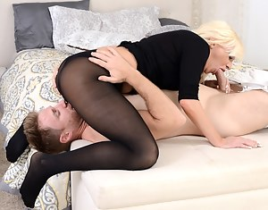 Free Moms 69 Porn Pictures