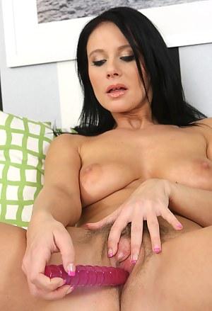 Free Moms Dildo Porn Pictures